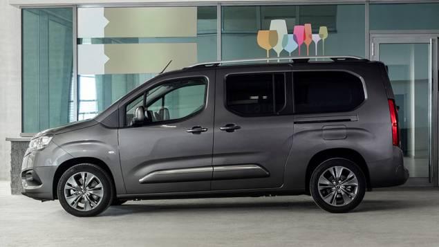 Toyota proace City verso Combi operativni leasing
